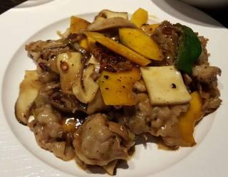 色々野菜と豚バラ肉の黒胡椒炒め