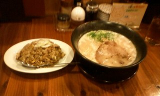 一丁亭ラーメン+炒飯