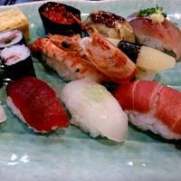 日本初の流れ鮨 沼津魚がし鮨