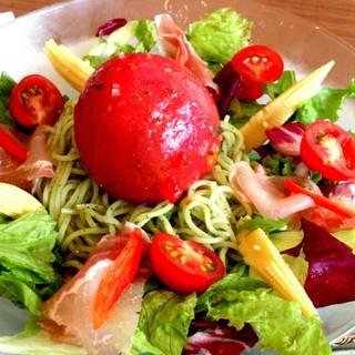 ひんやりパスタ まるごとトマトと生ハムのハジルソース