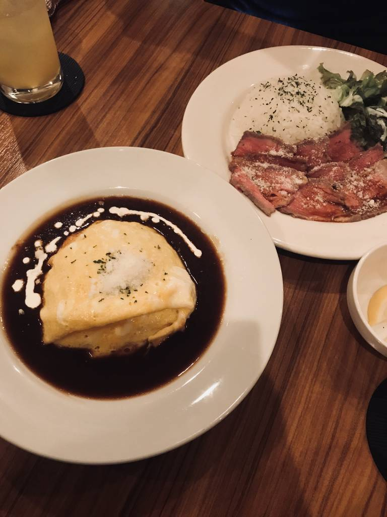 オムライス・ローストビーフ丼