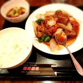 牛肉のバラ角煮定食