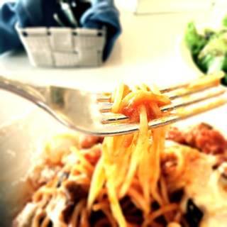 みや豚のミートボールとまーじゅんのモッツァレラチーズのスパイシートマトソース