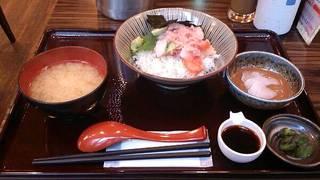 ぜいたく海鮮丼とごまだれ茶漬けセット