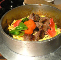 国産牛肉の釜飯