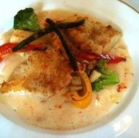 白身魚のグリルクラムチャウダーソース