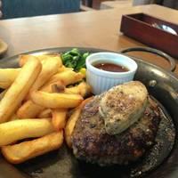 【C】牛肉100%ハンバーグステーキ -フォアグラのせ-