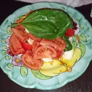 フルーツトマトと生モッツァレラのカプレーゼ