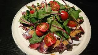 鰹のたたき サラダ仕立て