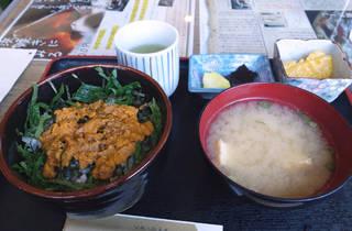 うに丼(ムラサキウニ)