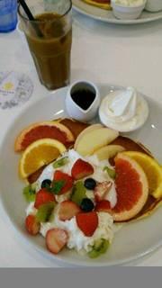 珠玉の贅果パンケーキ 北海道生乳ソフトクリーム添え