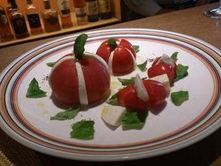 四地域から取り寄せたトマト&モッツアレラ