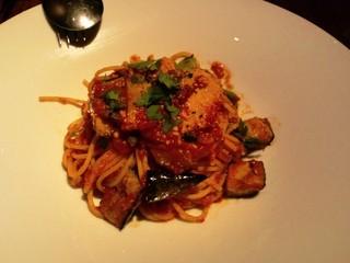 季節野菜とトマトソースのスパゲティーニ