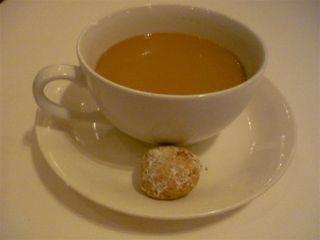 紅茶とプティフル