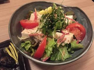 ゴマとたっぷり九条葱の豆腐サラダ