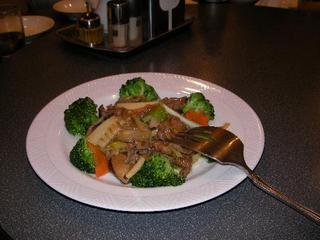 牛肉と野菜の旨煮