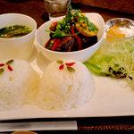 ベトナム風角煮プレート