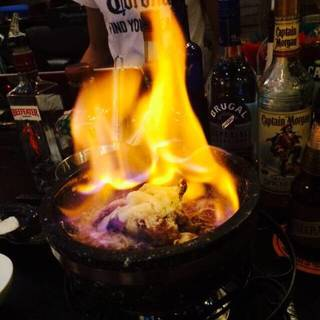 炎の溶岩チーズ鍋