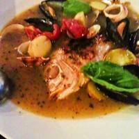 贅沢魚介のアクアパッツァ