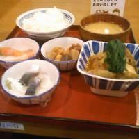 お昼の四品定食