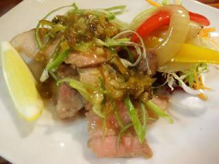 豚バラ肉のグリエ ねぎソース