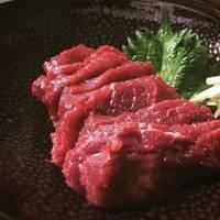 桜肉のお刺身