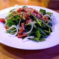 有機ほうれん草とベーコンのサラダ