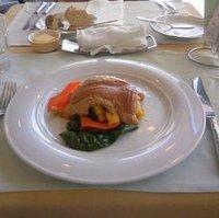 鮮魚のポワレ、ツナとピーナッツのソース