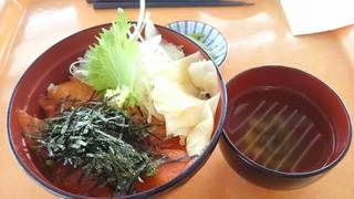 信州サーモン漬丼