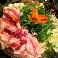コラーゲンたっぷり豚肉の白湯鍋