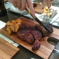 神戸牛と熟成肉ステーキ SHIOSAI