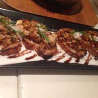 牡蠣とベーコンのブルスケッタ バルサミコソース