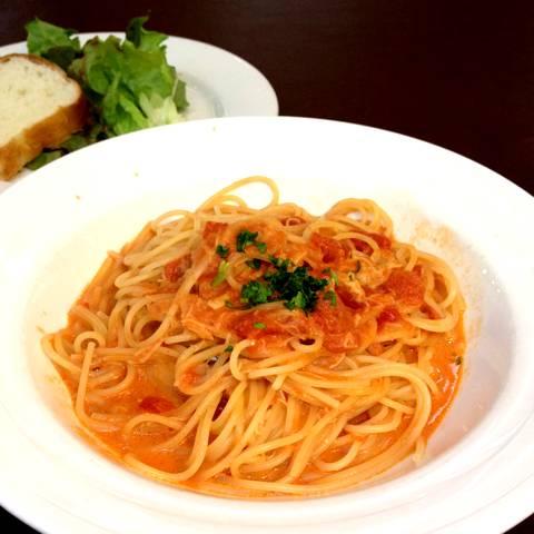 ズワイ蟹のトマトクリームスパゲッティ