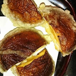 いけまさ亭の、5月度のお昼ご飯定食の、肉厚椎茸と白身魚のすり身の天ぷらです。