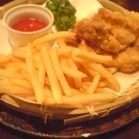 鶏もも唐揚とポテトフライ