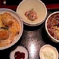 カキフライ卵とじ丼と蕎麦のセット