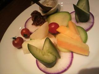 季節の新鮮野菜と自家製味噌