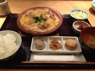 国産鶏と蔵王地養卵の親子煮定食