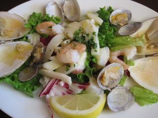 ナポリ風 魚介類のサラダ仕立て