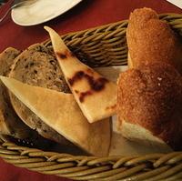 自家製パン盛り合せ