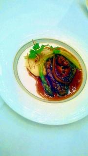 牛フィレ肉とフォアグラのロッシーニ トリュフソース