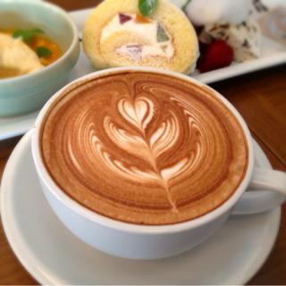 カフェラテ by THE THEATRE COFFEE