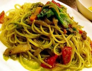 気仙沼産カツオと 緑黄色野菜のペースト