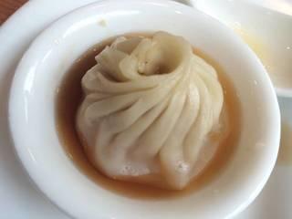 スープたっぷり!西安流小籠包