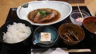 赤魚の煮付け定食