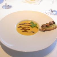 ポロ葱とポテトのヴルーテ ムール貝を添えて