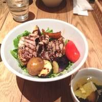 彩り野菜と霧島豚のグリル丼