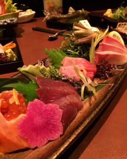 旬鮮魚の刺盛り