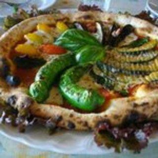 野菜のピザ
