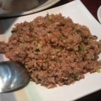 レタスと牛肉の黒炒飯
